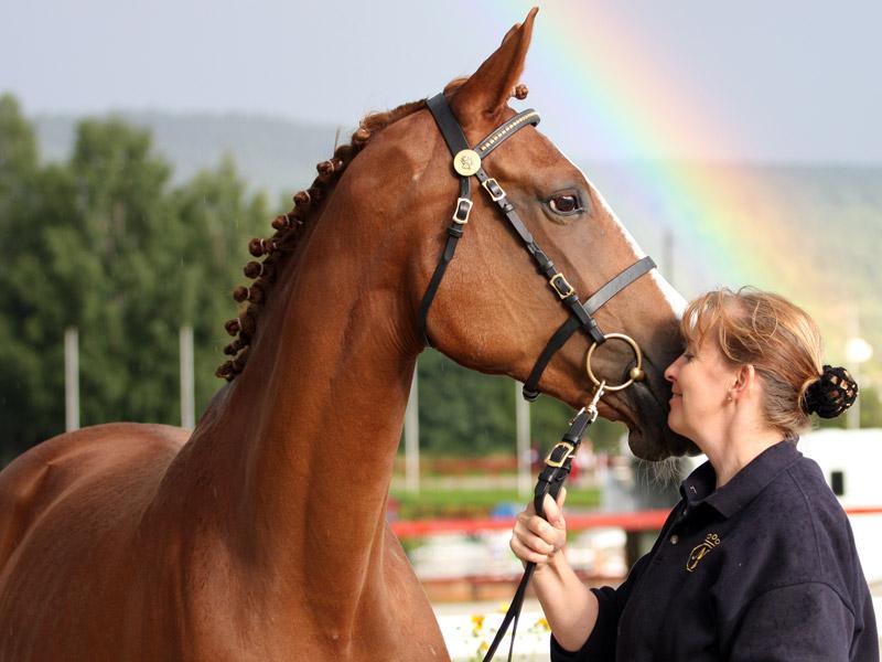 Anne Solberg og Mille Møgelvang - hoppen hun kjøpte som føll i 2000.