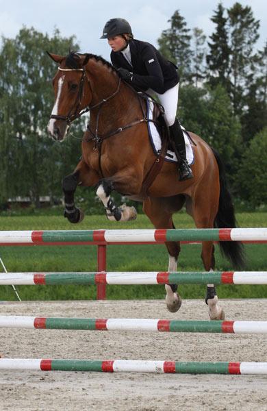 Therese Søhol Henriksen er tatt ut med to hester til Unghest-VM i Lanaken.